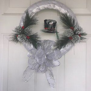 Holiday wreath pine cones & top hat New